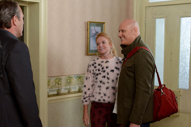 EastEnders, Bianca returns with Terry, Tue 5 Nov