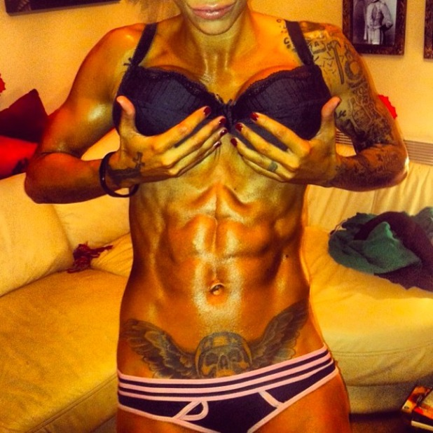 Jodie Marsh shows off six pack in series of Twitter pictures, 8 November 2013