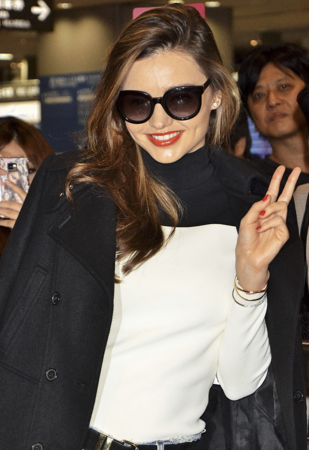Miranda Kerr arrives at Narita International Airport in Japan - 12 November 2013