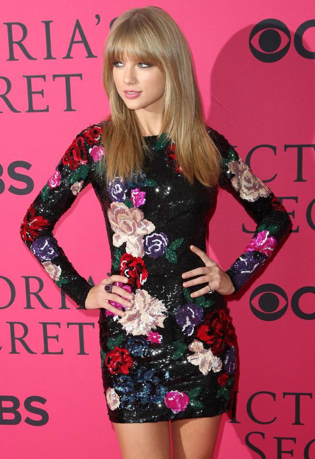 Taylor Swift - 2013 Victoria's Secret Fashion Show at Lexington Avenue Armory - 13 November 2013