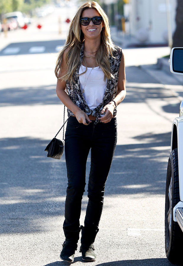 Audrina Patridge out shopping in West Hollywood, 11 November 2013