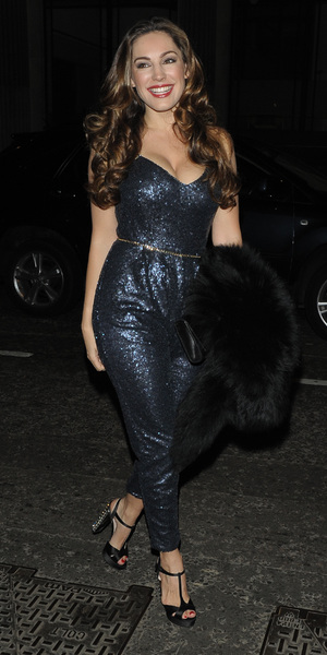 Kelly Brook out on birthday at Steam and Rye, 23 Nov 2013