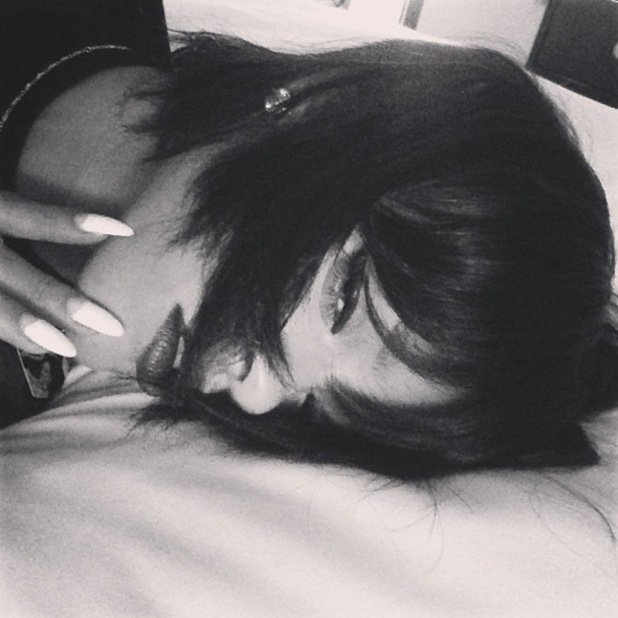 Rihanna shows off new bob hairstyle on Instagram - 18 November 2013
