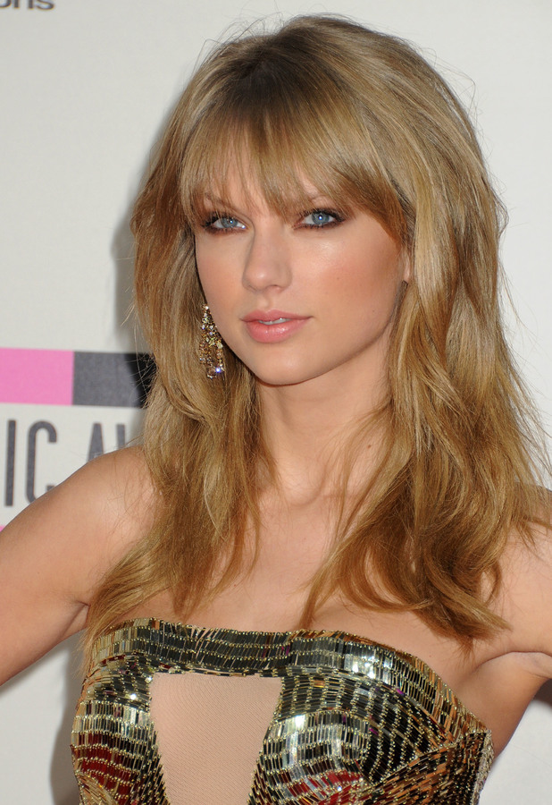 Taylor Swift at the 2013 American Music Awards in Los Angeles, 24 November 2013