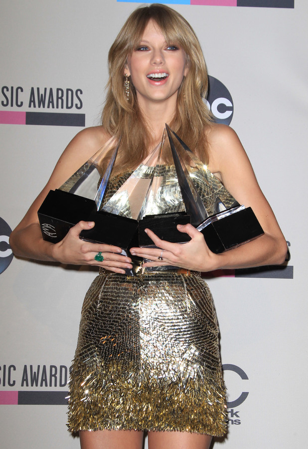 Taylor Swift at the American Music Awards in Los Angeles - 24 November 2013