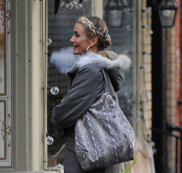 Cameron Diaz films scenes from the set of Annie, 4 December 2013