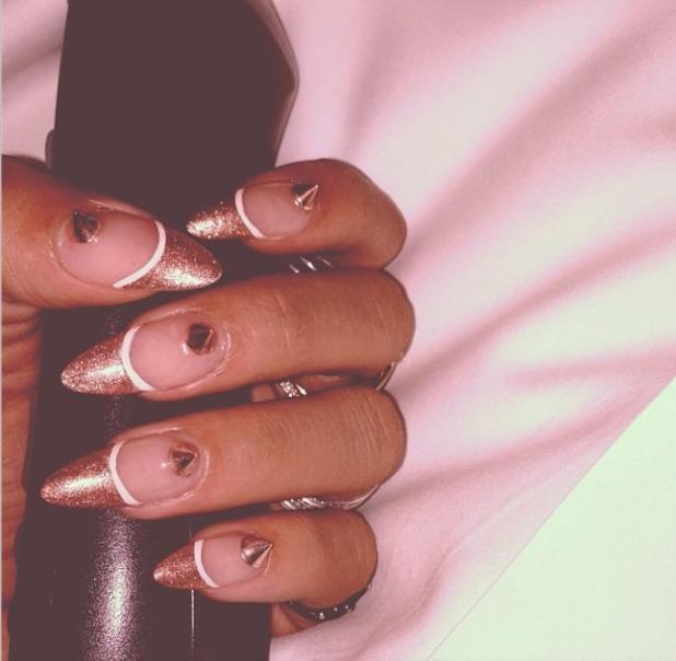 Celebrity nails alert! How to do Rihanna's rose gold ...