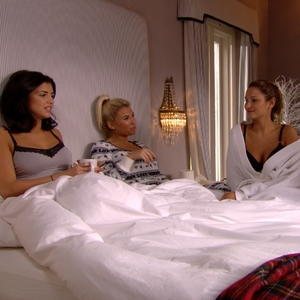 The morning after the night before, Ferne McCann and Lucy Mecklenbugh have a debrief about the night's events with Sam Faiers and sister Billie Faiers in the festive special of The Only Way is Essexmas.