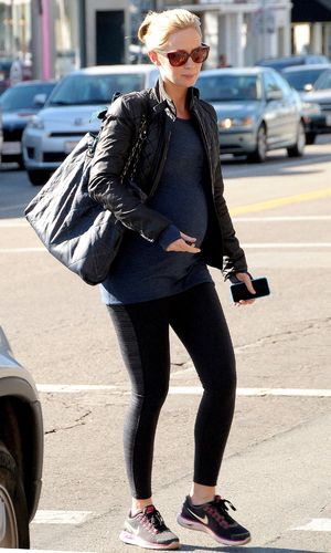 Emily Blunt out and about, Los Angeles, America - 10 Dec 2013