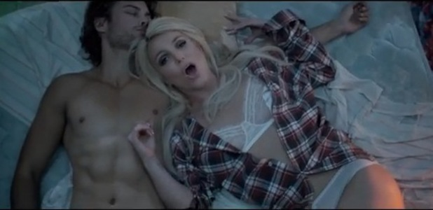 Britney Spears debuts sexy music video for Perfume
