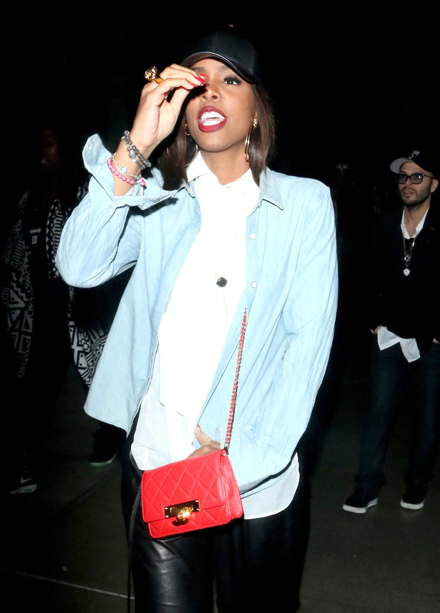 Kelly Rowland leaving the Staples Center after watching Jay-Z in concert in LA - 9.12.2013