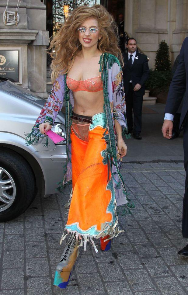 Lady Gaga leaving her hotel in London - 8 December 2013