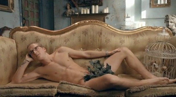Made In Chelsea's Oliver Proudlock naked during Francis Boulle's life drawing session - series six