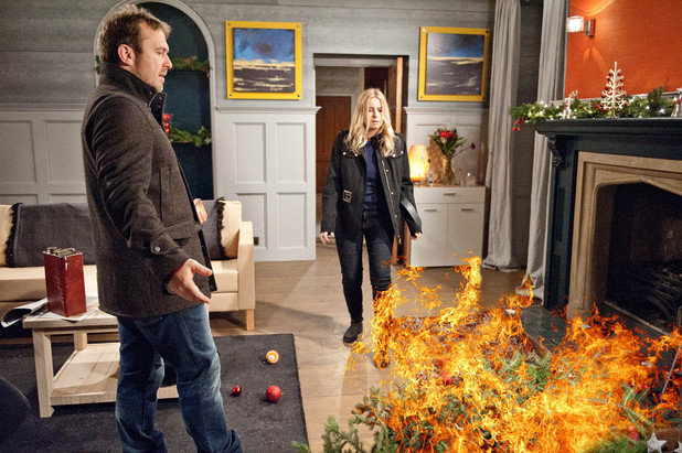 Emmerdale, Declan starts a fire, Wed 25 Dec