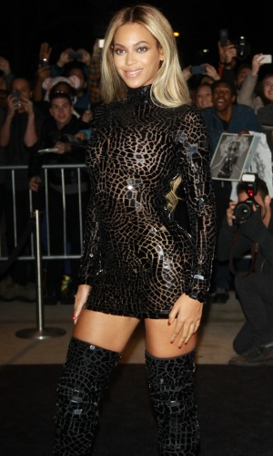 Beyonce - Album Screening celebrating the release of her self-titled visual album at School of Visual Arts Theatre in New York City, 21 December 2013