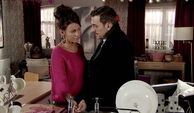Corrie, Peter tends to Tina's cut, Mon 6 Jan