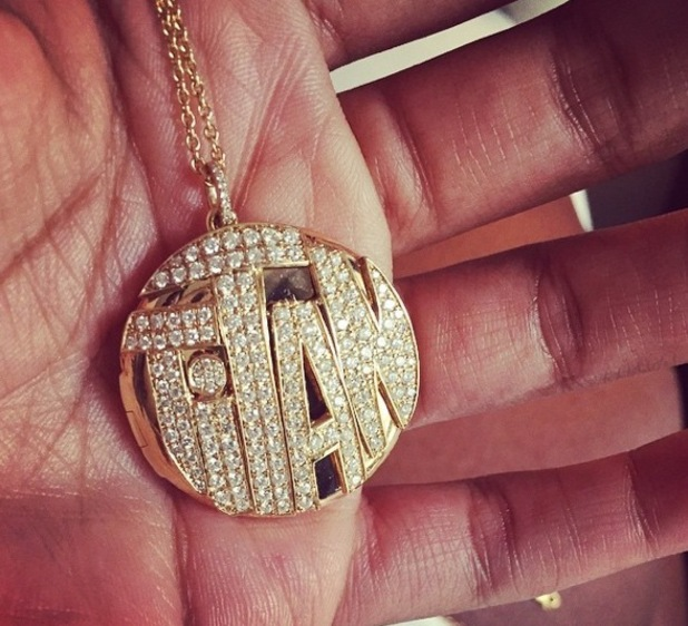 Kelly Rowland shows off necklace with son Titan's name on it 28 December
