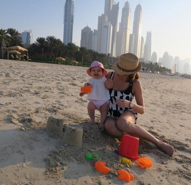 Tamara Ecclestone and daughter Sophia jet to Dubai, Dec 2014.