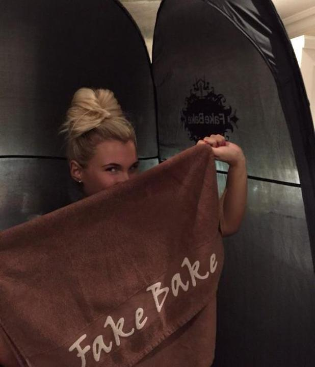 Billie Faiers gets Fake Baked by Maryam Eloise, ME Beauty, Gants Hill, Essex, 29 December 2014
