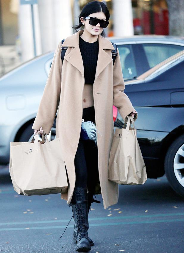 Kylie Jenner goes shopping in LA, 28.12.14