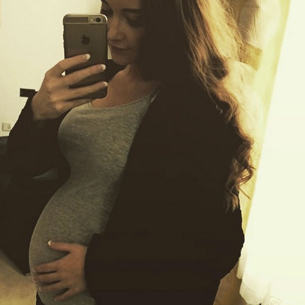 Pregnant Jacqueline Jossa shows off her blossoming baby bump in selfie, 29 December 2014