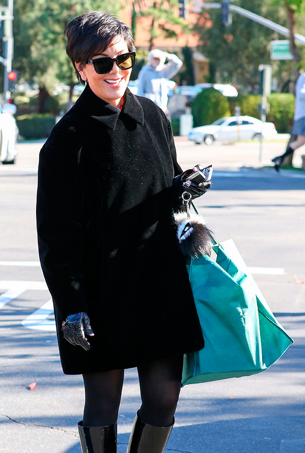 Kris Jenner looking fashionable as she shops alone at Williams-Sonoma in Calabasas, 29 December 2014