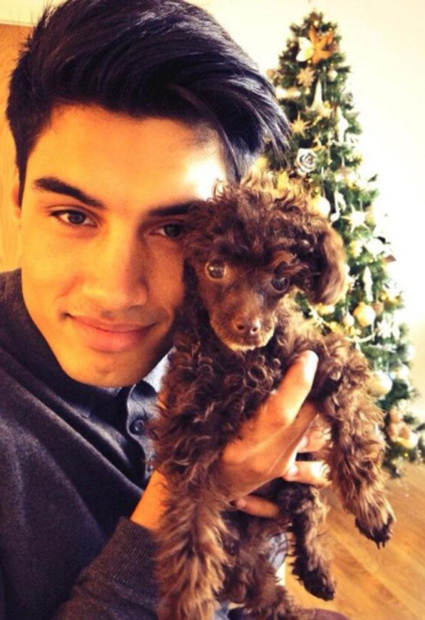 Siva Kaneswaran shows off his new puppy via Twitter, 3 January 2013
