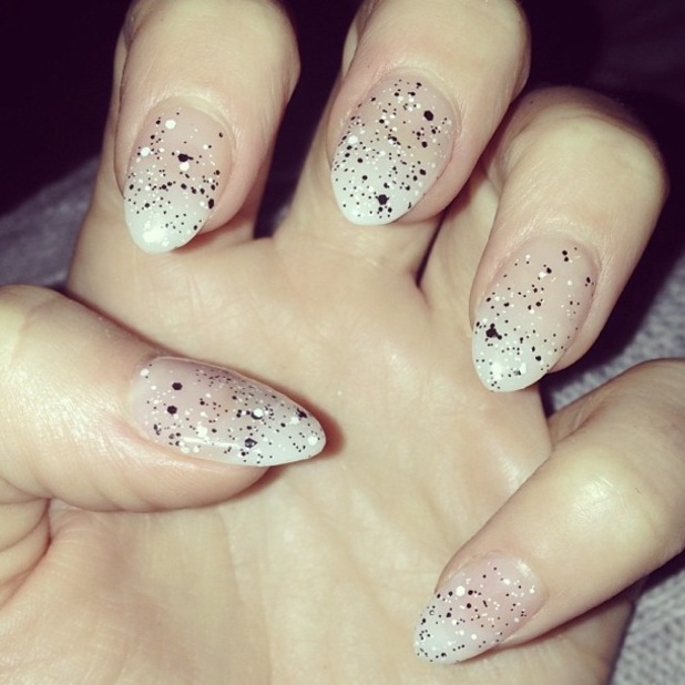 Kimberley Walsh shows off her manicure on Instagram - 3 January 2014
