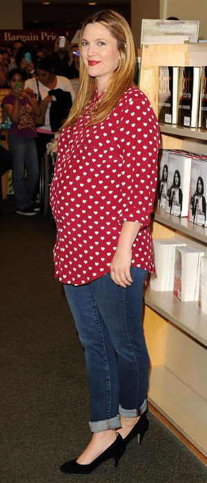 Drew Barrymore poses for pictures at a signing of her new book in Barnes & Noble - 14th January 2014, LA