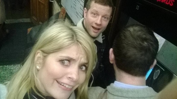 Holly Willoughby and Dermot O'Leary catch the tube after getting stuck in traffic - 16 January 2014