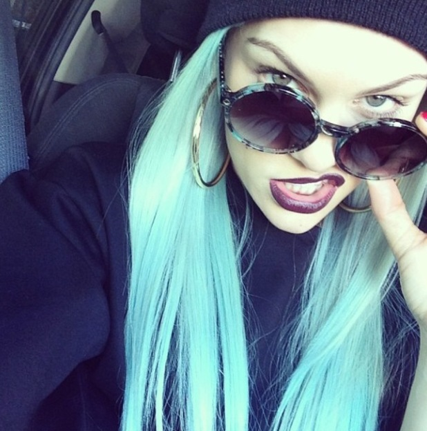 Jessie J shows off blue hairstyle in Los Angeles. (15 January 2014).
