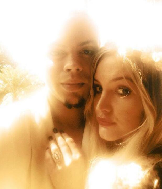 Ashlee Simpson and Evan Ross get engaged in Hawaii - 14 January 2014