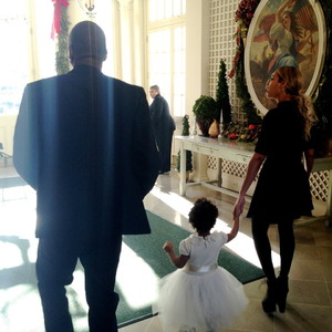 Beyonce, Blue Ivy and Jay Z arrive at The White House for Michelle Obama's birthday.