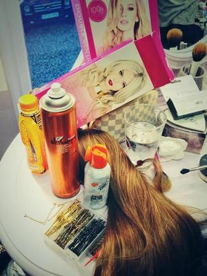 Mikey Kardashian shows off the loot he used to create Rochelle Humes' red carpet hair at the National Television Awards, 22 January 2014