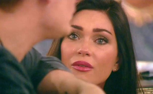 Jasmine Waltz re-enters the house and confronts Lee Ryan and Casey Batchelor, 25 January