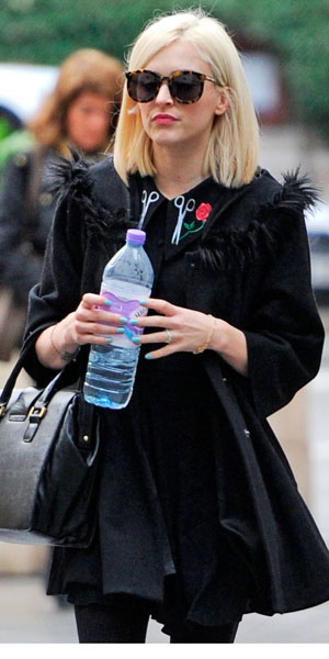 Fearne Cotton heads to work on 22 January 2014