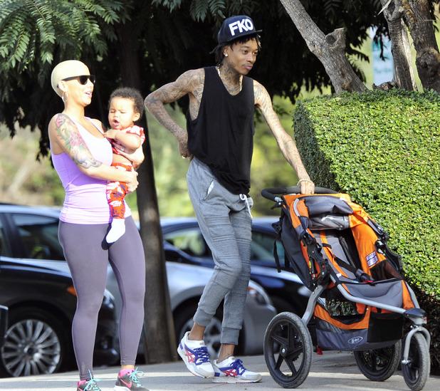 Wiz Khalifa takes Amber Rose and son Sebastian on a hike to Runyon Canyon - 28.1.2014 Los Angeles