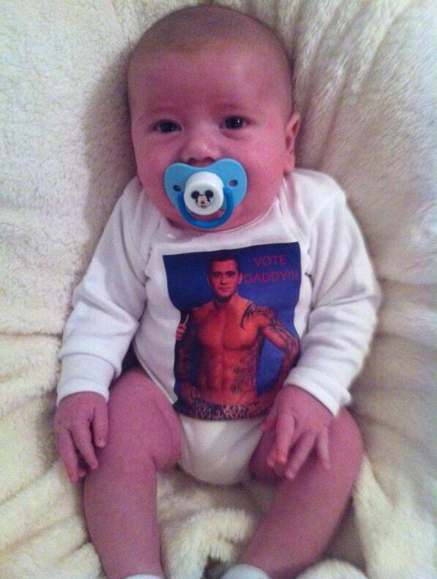 TOWIE's Dan Osbourne tweets picture of his number one supporter - his son Teddy - ahead of his appearance in Splash! 8 February 2014
