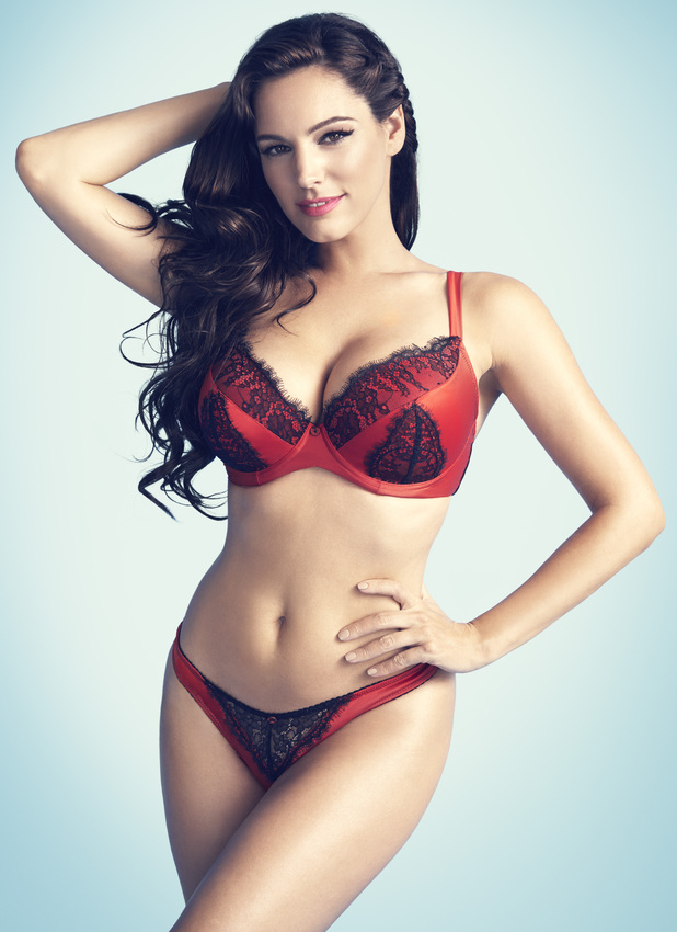 kelly-brook-for-new-look-lingerie-2014.jpeg