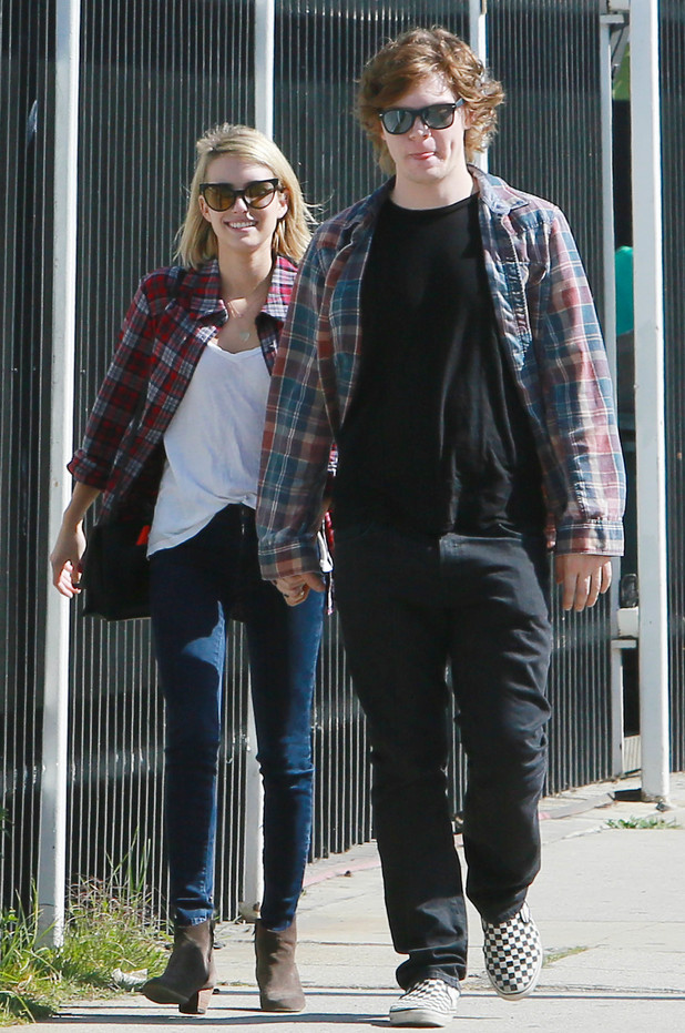 Emma Roberts and Evan Peters go to the shops