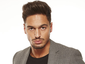 The 30-year old son of father Mario Falcone and mother Kim Falcone, 180 cm tall Mario Falcone in 2018 photo