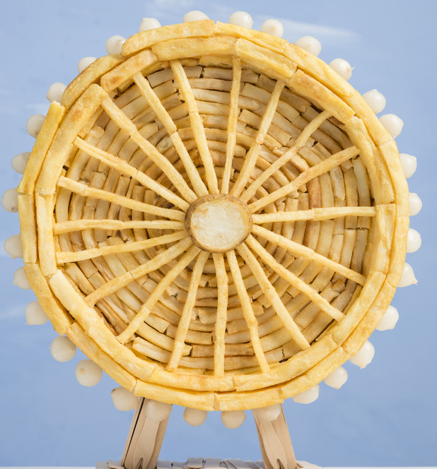 London Eye made from chips