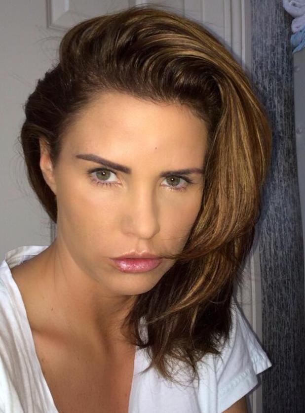 Katie Price shows off new short hair - 18 Feb 2014