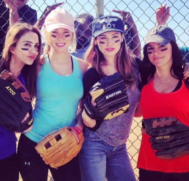 Kelly Brook plays baseball with friends in America, including Michael Rosenbaum - February 2014