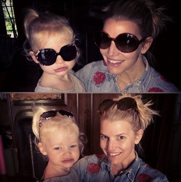 Jessica Simpson poses with daughter Maxwell in matching sunglasses (26 February 2014).