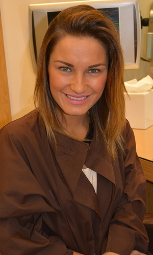 Sam Faiers gets new Gold Class Hair extensions at Inanch London - 5 March 2014