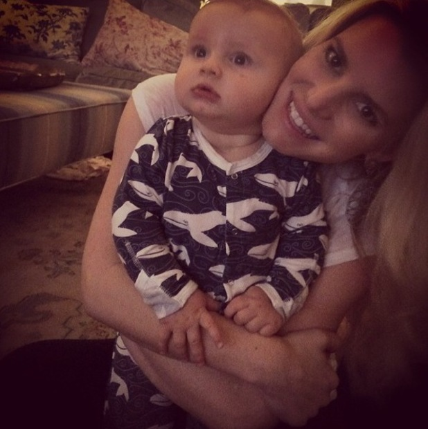 Jessica Simpson posts photo of with son Ace Knute. (6 March 2014).