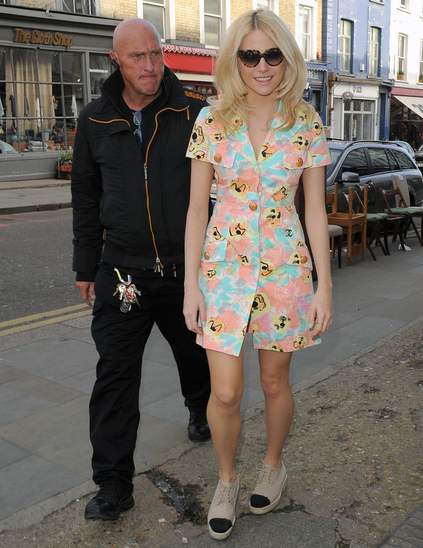 Pixie Lott arrives at a hair salon in Notting Hill, London - 5 March 2014