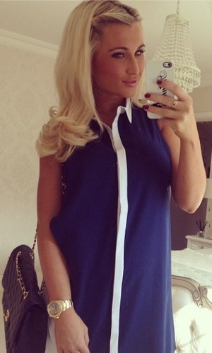 Billie Faiers covers baby bump in shirt dress - 12 March 2014