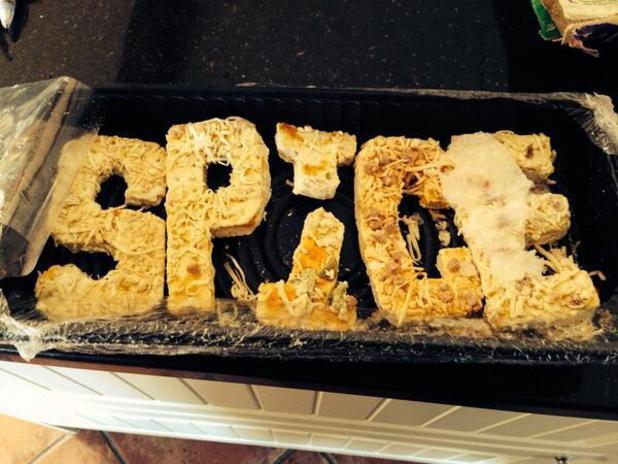 Victoria Beckham's mum finds SPICE Spice Girls pizza in the freezer: 12 March 2014